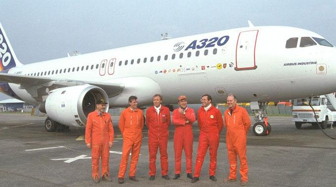 Posádka prvého letu Airbusu A320 (zdroj: Internet)