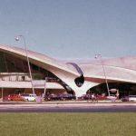 Nadčasový dizaj terminálu TWA na letisku JFK (c)Hulton Archive/Getty Images