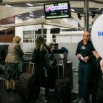 Check-in prepážka odbavujúca cestujúcich do Tbilisi