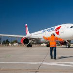 Airbus A330 roluje na odlet z dráhy 13