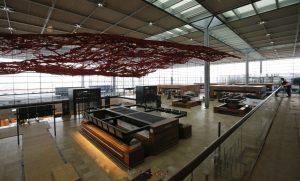 Priestor odbavovania cestujúcich, letisko Berlín Brandenburg (c) Reuters
