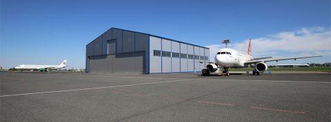Nový hangár na letisku v Prahe