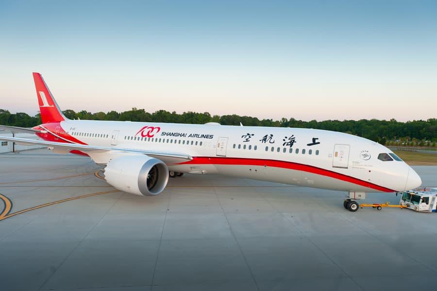 Boeing 787-9 Dreamliner Shanghai Airlines