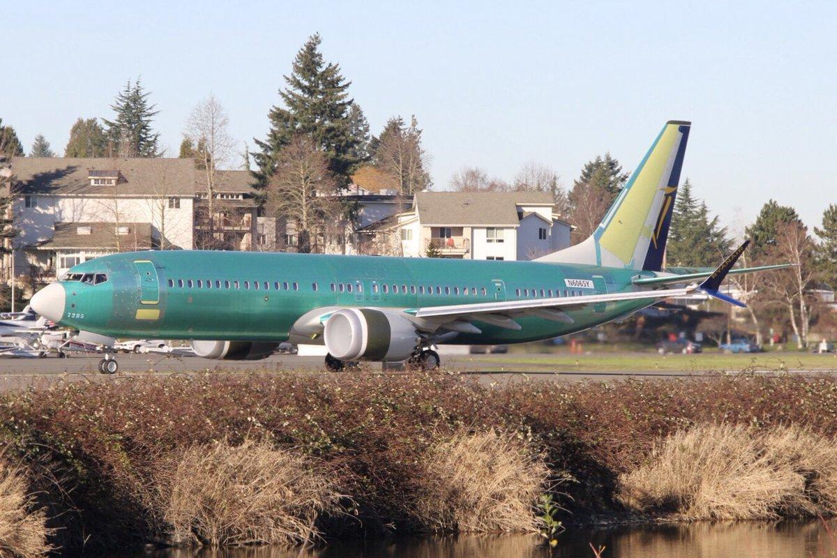 Boeing 737MAX pre Ryanair (c) twitter.com/AeroimagesChris