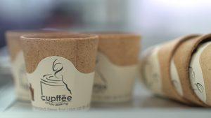 Konzumovateľné šálky na kávu (c)Etihad