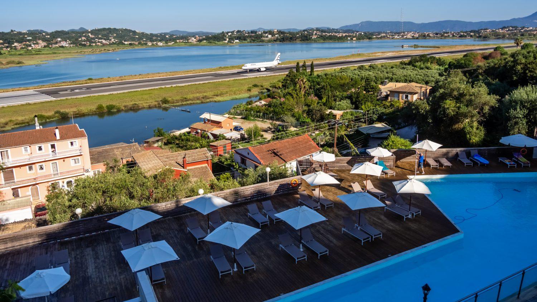 Výhľad z terasy Royal Grand Hotel Corfu