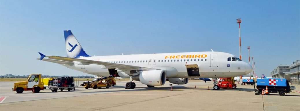 TC-FBO Freebird Airlines Airbus A320-214