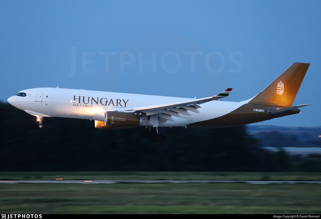 Airbus A330-243F HA-LHU (c)David Romvari